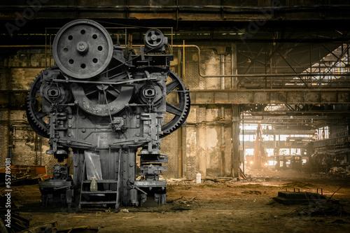 Montage in der Fensternische Alte verlassene Gebäude old metallurgical firm waiting for a demolition