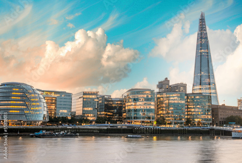 Poster London London Cityscape, including City Hall, seen from Tower Bridge at