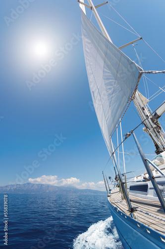 Foto-Flächenvorhang ohne Schienensystem - Sailing in the sea (von Netfalls)