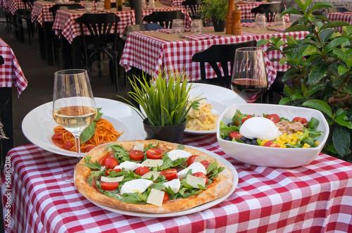 Italian restaurant Fototapet