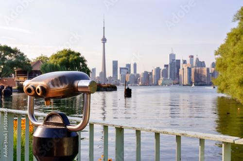 Deurstickers Toronto Binoculars and a view of Toronto from island