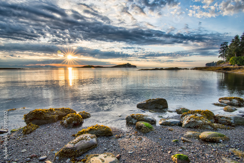 Poster Canada Coastal Sun Star With Rocks