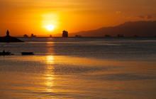 Evening At The Manila Bay