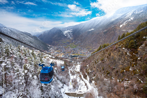 Photo Encamp town in Andorra and cable car