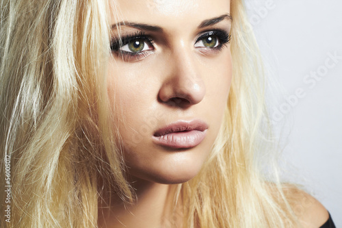 Fototapety, obrazy: close-up beautiful blond girl with green eyes.woman.make-up