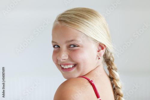 Fotografia, Obraz  young girl smiling