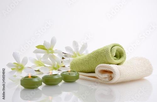 Wellness Magnolien Kerzen Grün Tuch