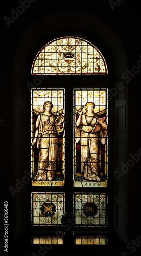 sredniowieczne-okno