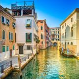 Wenecja zmierzch w Rio Greci wodnym kanale i budynkach. Włochy - 56188290