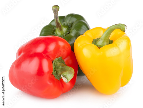 Fotografía  colorful bell peppers isolated on white background
