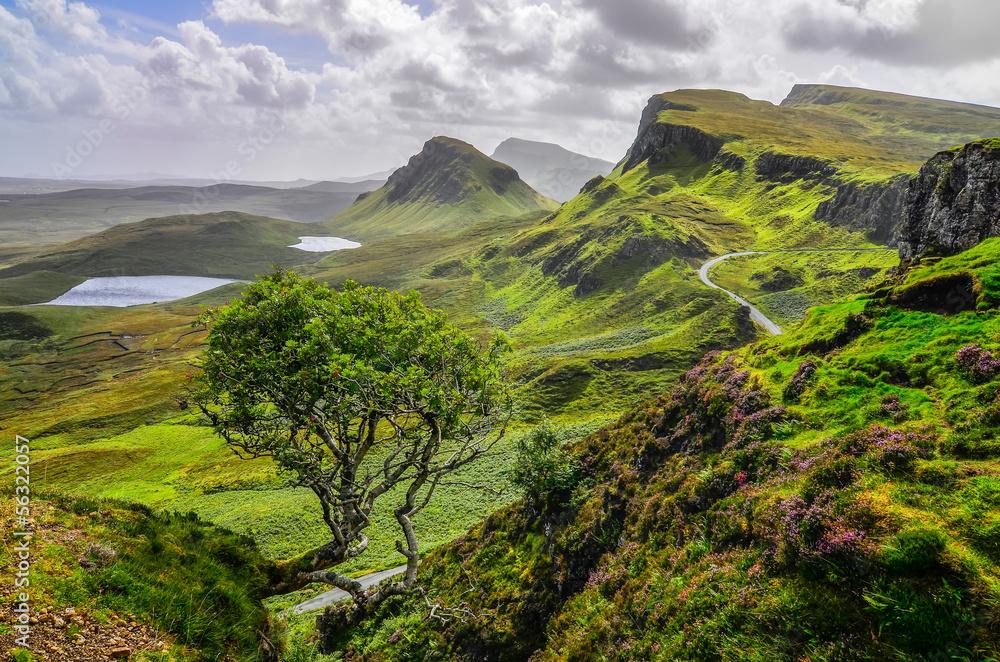 Fototapeta Scenic view of Quiraing mountains in Isle of Skye, Scottish high
