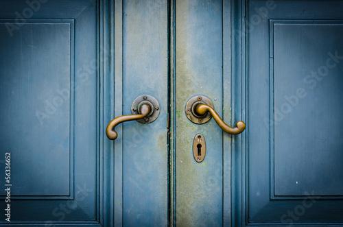 Fototapeta drzwi   galki-w-drzwiach