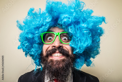 crazy funny bearded man with blue wig Poster Mural XXL