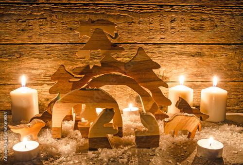 Fotografie, Obraz  Frohe Weihnachten: Rustikale Weihnachtskrippe mit Kerzenlicht