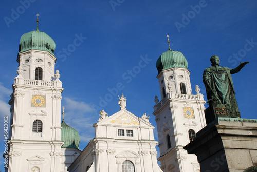Fotografie, Obraz  Denkmal König Max I Joseph von Bayern St. Stephan Dom Passau