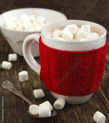 Spoed Foto op Canvas Chocolade Mug filled with hot chocolate and marshmallows