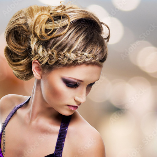 Staande foto Kapsalon portrait of beautiful woman with hairstyle