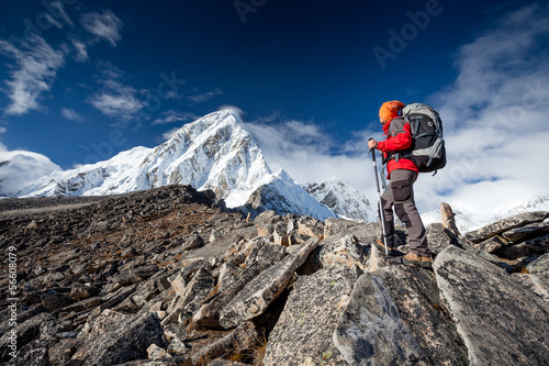 Fototapeta Hiker on the trek in Himalayas, Khumbu valley, Nepal obraz
