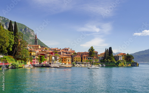 Obraz na plátně Colorful town Varenna seen from Lake Como