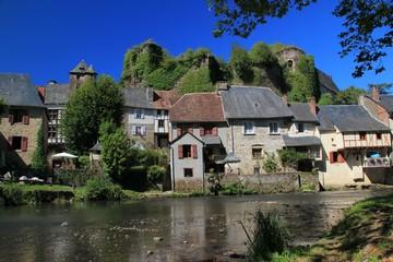 Fototapeta na wymiar Ségur-le-Château.(Corrèze)