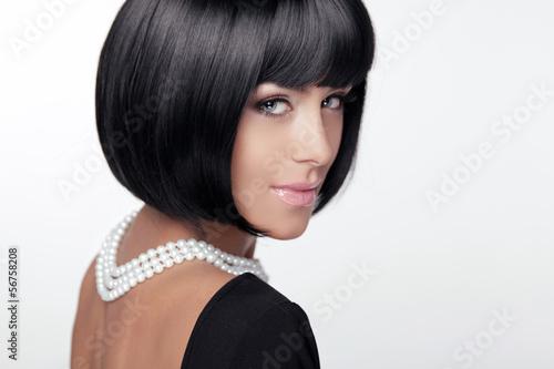 fryzury-moda-fryzura-seksowna-pani-stylowy-fringe-krotki-hai