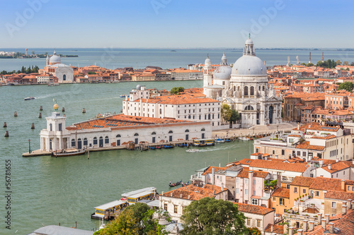 Stickers pour porte Venise Grand Canal and Basilica on sunny day, Venice