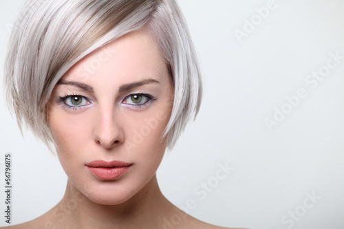 Portrait Frisur junge Frau