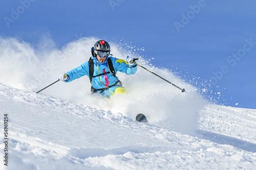 In de dag Wintersporten in Pulverschnee eintauchen