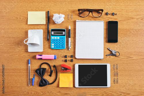 zawartosc-zorganizowanego-i-skomponowanego-obszaru-roboczego-firmy