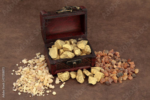 Photo Gold Frankincense and Myrrh