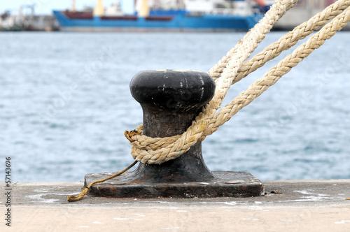 Fotografía  Rusty Mooring on a Pier
