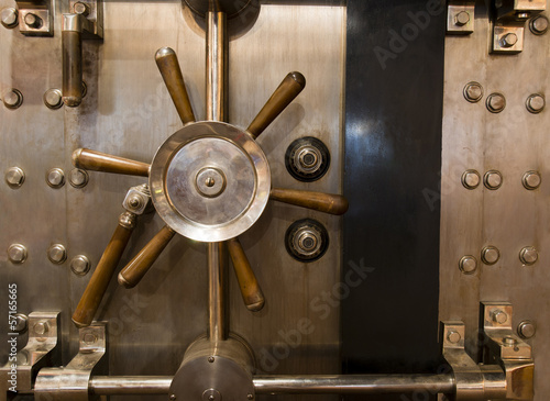 Fotografie, Obraz  Huge Inenetrable Vintage Bank Vault Massive Handle Combination