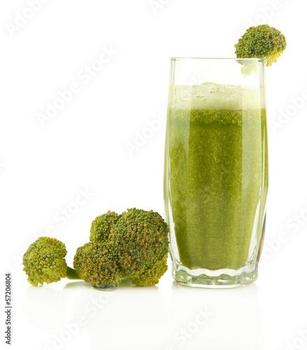 szklo-zielony-jarzynowy-sok-i-brokuly-odizolowywajacy-na-bielu
