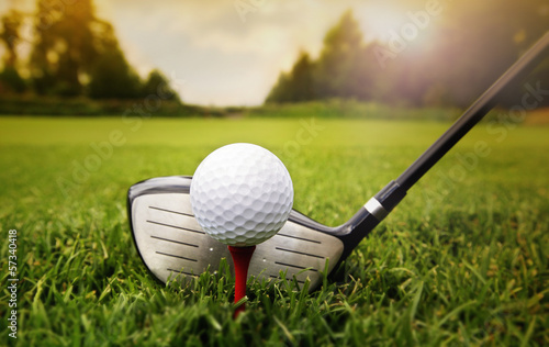 Foto op Aluminium Golf Golf club and ball in grass