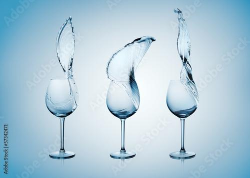 Papiers peints Eau Water Splash in Wine Glass.