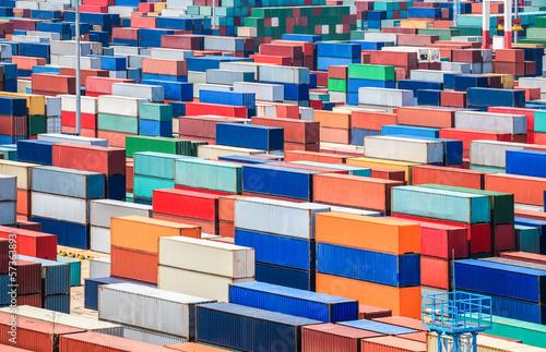Fotografia  container depot in terminal