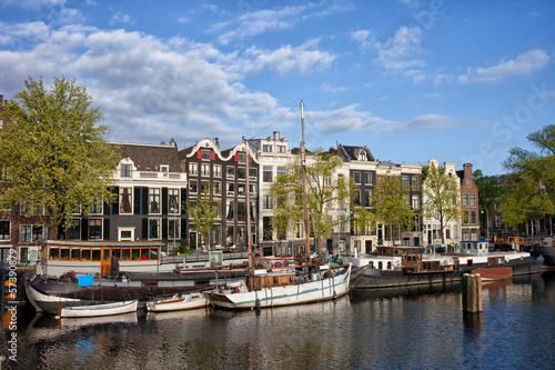 Foto auf Gartenposter Stadt am Wasser River View of Amsterdam