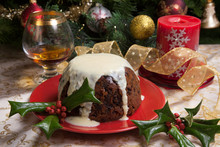 Christmas Pudding With White S...