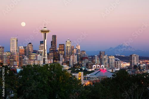 Fotobehang Volle maan Seattle skyline