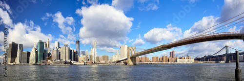 Manhattan skyline and Brooklyn Bridge, New York