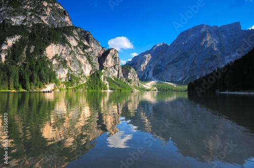 Photo Stands Reflection Lago di Braies Croda del Becco