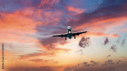 Türaufkleber Flugzeug commercial jet airplane in flight