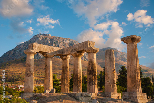 Valokuva Ruins of Appollo temple with fortress, Corinth, Greece