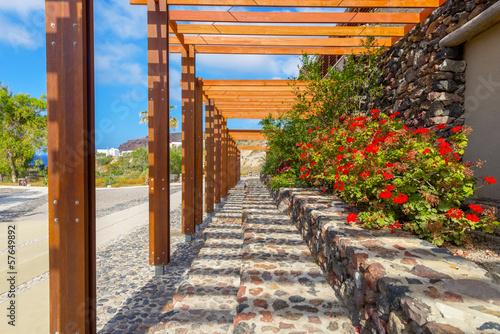 grecja-santorini-wyspa-na-cykladach-tradycyjny-widok-kolorowy