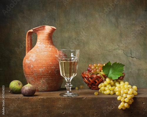 Fototapeta Still life with white wine and grapes obraz
