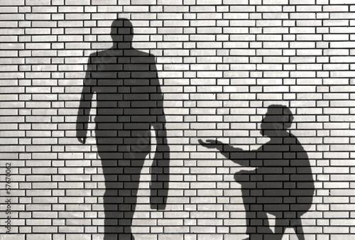 ombres de mendiant et businessman Wallpaper Mural