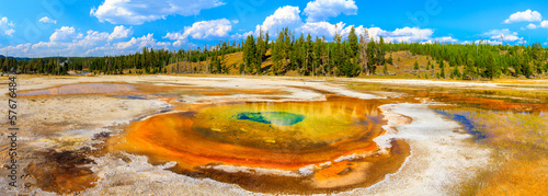 Poster Natuur Park Chromatic Pool Panorama, Yellowstone National Park, Upper Geyser