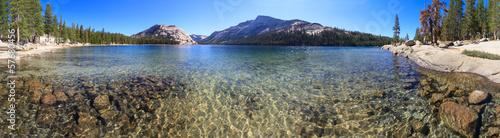 Fotobehang Natuur Park Yosemite National Park, Panorama of Lake Tenaya (Tioga Pass), C