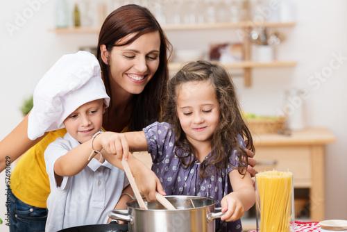 Fotografie, Obraz  kinder haben spaß beim kochen