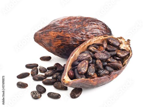 Carta da parati cocoa pod and beans isolated on a white